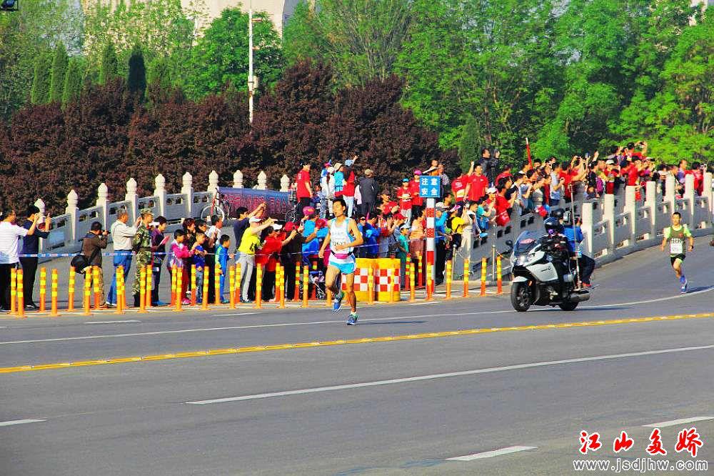 2015东营黄河口国际马拉松赛